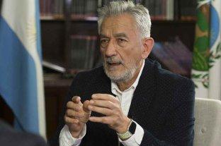 El gobernador de San Luis permanece aislado por ser contacto estrecho de casos positivos de Covid-19