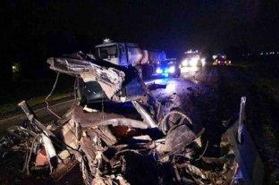Dos muertos tras un choque frontal entre un camión y un automóvil sobre la ruta provincial N°18