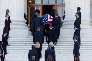 EE.UU. honra a la juez Ruth Bader Ginsburg a las puertas del Tribunal Supremo