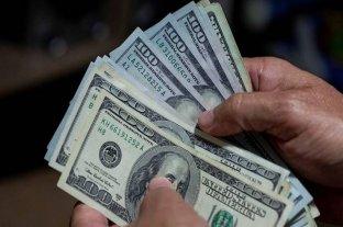 Casi cuatro millones de personas compraron dólares en agosto