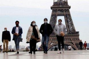 Francia supera nuevamente los 13.000 casos diarios e impone restricciones en París y otras ciudades