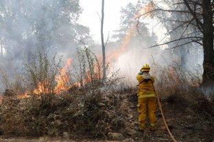 Intentan controlar los focos de incendio en el Valle de Punilla