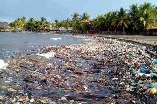 Una tonelada de basura invade las playas de Honduras