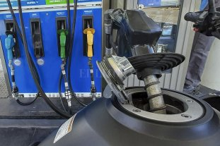 Venta de combustibles subió 2,3% en agosto respecto de julio, pero sigue 25% por debajo de prepandemia