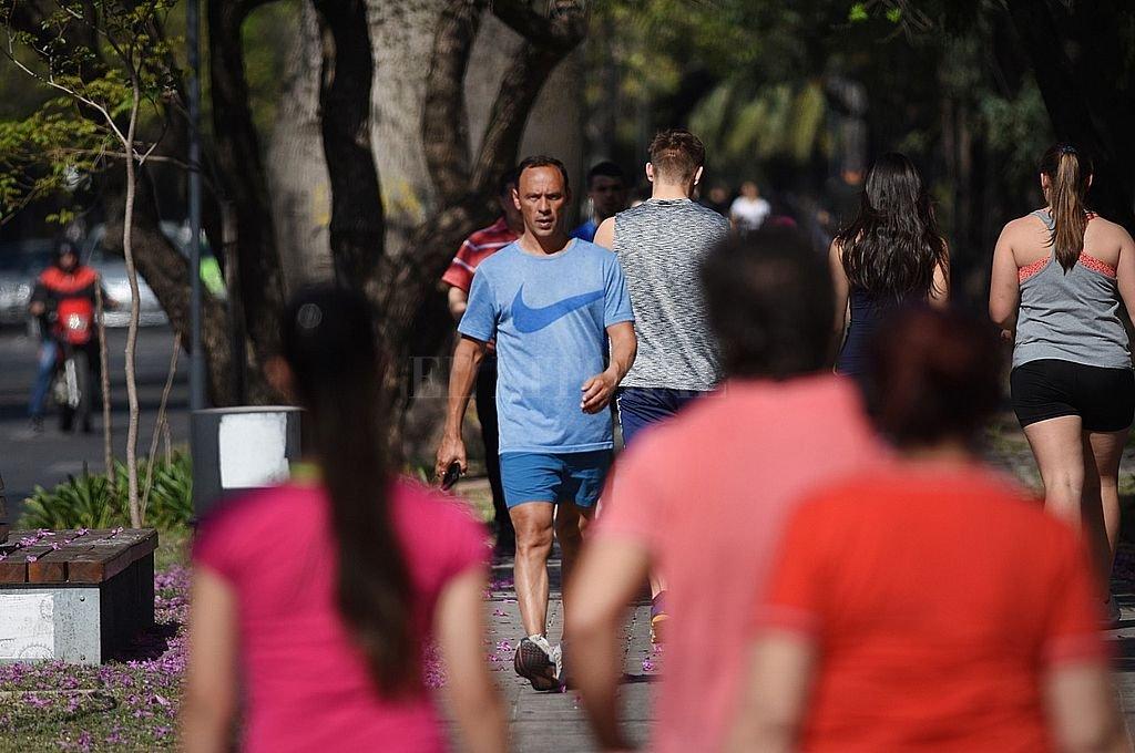 Con casi 2.000 contagios, la provincia de Santa Fe alcanza un nuevo máximo diario -  -