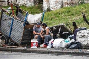 Mejoró la distribución del ingreso pero aumentó la cantidad de personas bajo la línea de pobreza