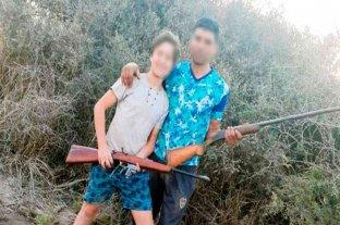 Mataron un aguará guazú, difundieron por redes sociales las fotos y fueron detenidos