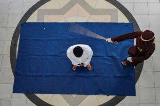Castigan con 169 latigazos a un violador de niños en Indonesia