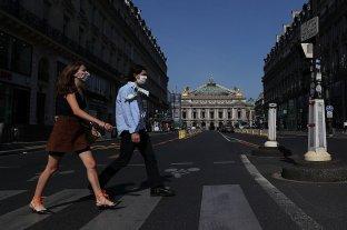 Francia amplía el toque de queda a 46 millones de habitantes ante el avance del coronavirus