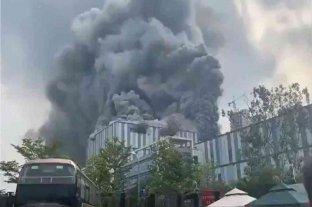 China: tres muertos tras un incendio en la planta de investigación de Huawei