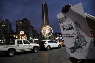 """Rosarinos realizaron un """"bocinazo"""" contra la inseguridad frente al Monumento a la Bandera"""