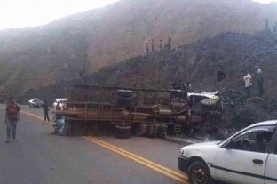 Al menos 19 muertos y 17 heridos dejó un grave accidente en Bolivia