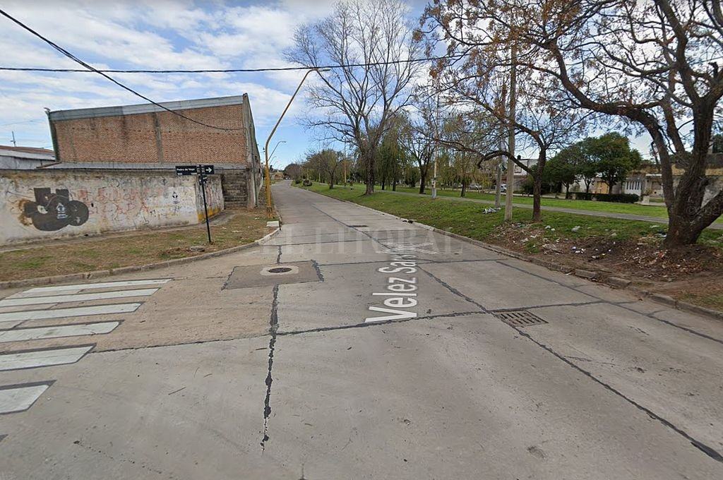 Intersección de las calles Vélez Sarsfield y Pedro de Vega.