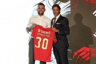 Otamendi se despidió de Manchester City y fue presentado en Benfica