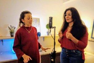 Del encierro al escenario - Solís y Pelegri compartiendo el micrófono: al comienzo fue cada una por su lado, escuchando en cada casa las grabaciones de la otra. -