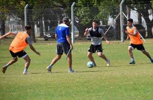Comenzó a rodar la pelota en Atlético de Rafaela