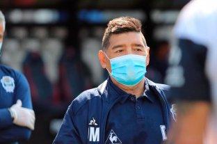 Maradona se encuentra aislado tras mantener contacto con un colaborador que dio positivo de coronavirus -  -