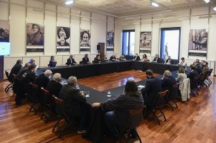 El Gobierno busca el aval de empresarios y gremialistas para negociar con el FMI