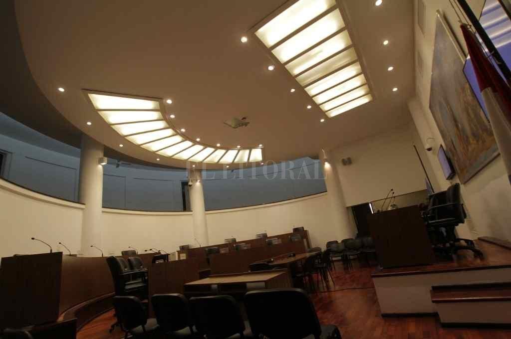 El TCM también debe notificar su resolución al Concejo local, que sigue sin sesionar por el paro de los municipales.    Crédito: Archivo El Litoral