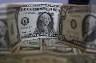 El dólar blue volvió a bajar y cerró a $ 181 -  -