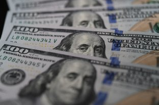 El dólar blue cerró la semana en alza y tocó un récord de 195 pesos