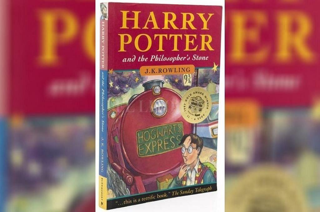 Portada del libro que será subastado. Crédito: hansonsauctioneers.co.uk