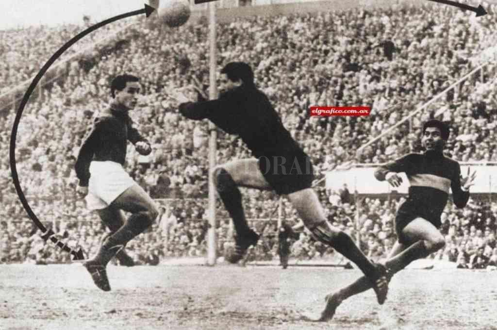 El gol de Sanfilippo y la parábola que hizo la pelota, en la imagen de la revista El Gráfico. Crédito: Gentileza