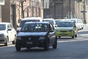 Solicitan una bonificación en impuestos para taxis y remises