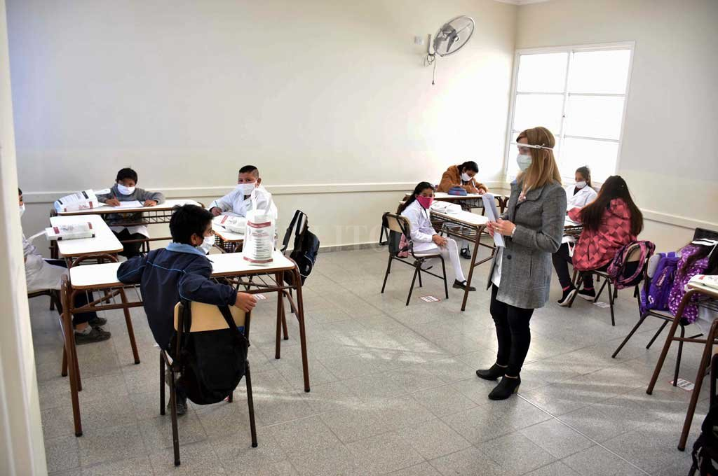 División en grupos por días, jornada reducida y pausas para desinfección, son algunas de las previsiones. Crédito: Archivo El Litoral