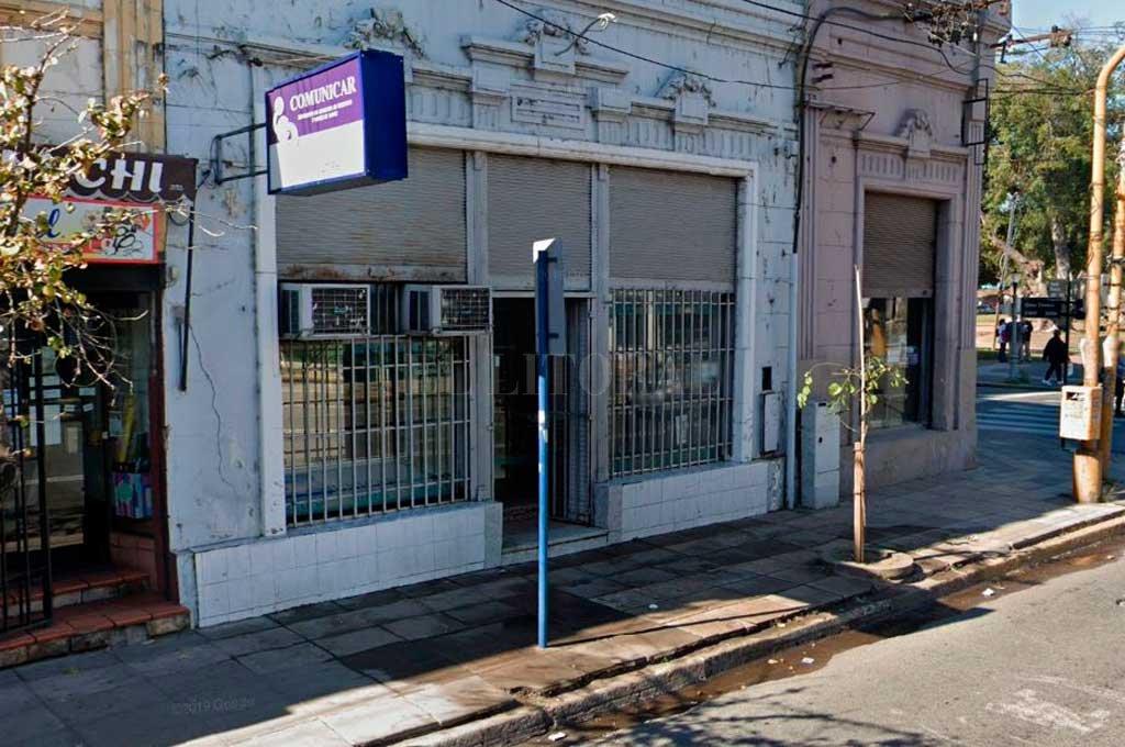 El hecho ocurrió el domingo, a plena luz del día, en Rivadavia al 3010, a metros de la plaza España. Crédito: El Litoral