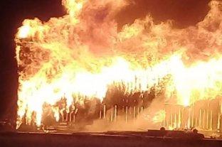 Se incendió un depósito de materiales para la construcción de un nuevo hospital en Corrientes