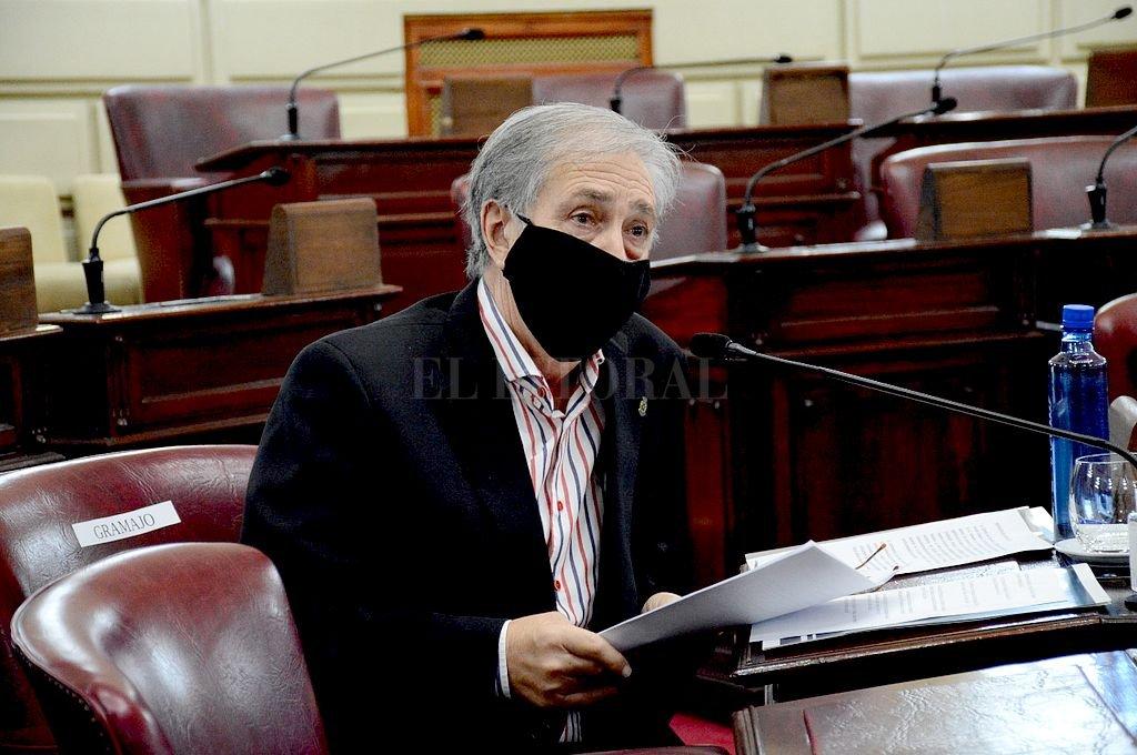 El senador Joaquín Raúl Gramajo (PJ-9 de Julio) informó que el dictamen sobre el Dr. Blanco dice que en caso de aparezcan más elementos sobre delitos o faltas graves en sede judicial, puede haber una recomendación para su remoción. Crédito: Archivo El Litoral