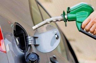 Llenar un tanque de nafta cuesta 60% más que hace un año