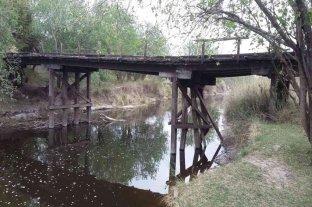 Pirola insistió en resguardar y poner en valor puentes históricos del departamento Las Colonias