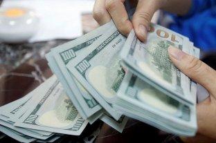 """Dólar hoy: El oficial abre estable y el """"blue"""" se vende a $ 181 -  -"""