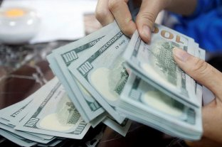 El dólar blue cerró a $ 169 y acumuló una baja de 26 pesos en la semana -  -