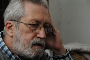 """Desafiar la perversidad - """"El flaco"""" José Luis Pagés, escritor se desempeñó durante muchos años en la sección """"Sucesos"""" de Diario El Litoral, hasta su jubilación. -"""