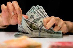 """El dólar oficial abrió este martes estable y el """"blue"""" se mantiene en $ 190"""