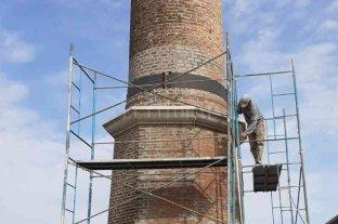 """Comenzaron los trabajos de puesta en valor de la antigua chimenea de la """"Curtiembre la Valesana"""""""