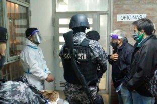 Cárcel de Piñero: un interno con coronavirus tomó de rehén a un agente penitenciario  -  -