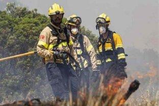 Bomberos santiagueños lograron controlar el fuego que cruzó desde Córdoba