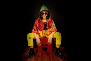 """Sol Pereyra presenta """"Existo"""" - La cordobesa viene experimentando con un nuevo sonido world beat, combinando en este caso base electrónica con acordeón y trompeta. -"""