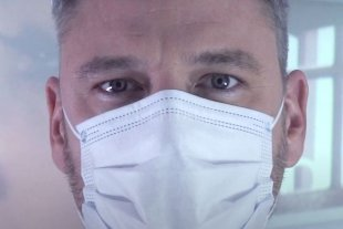 """""""Temblando"""": música para la concientización - La canción fue compuesta por Edu Alvarado, cantante y guitarrista, quien además es médico, cirujano mastólogo del Centro de Mastología de Rosario. -"""