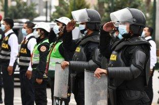Más de 33.000 policías contagiados y más de 500 muertos por la pandemia en Perú