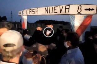 Se inicia una vigilia de productores frente al campo usurpado por Grabois en Entre Ríos -  -