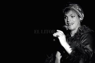 """Teatro del Bardo: """"Fedra en Karaoke"""" - Juan Kohner es el encargado de desarrollar escénicamente el espectáculo dirigido por Valeria Folini. -"""