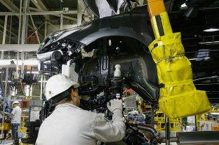 La actividad económica cayó 11,6% interanual en agosto, pero tuvo un leve repunte contra julio