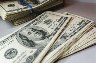 El dólar blue se mantuvo en $ 181 y el contado con licitación cayó a $ 155,51 -  -