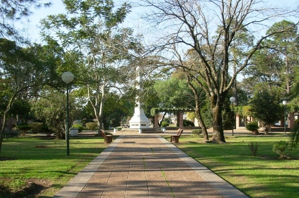 Plaza Almirante Brown Crédito: Comuna Llambi Campbell