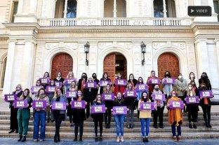 La paridad se incorpora al sistema electoral e institucional de Santa Fe - Las mujeres diputadas vienen reclamando la ley desde el inicio de la gestión. Hubo este jueves algunas quejas por recortes a las apetencias que tenía el sector.